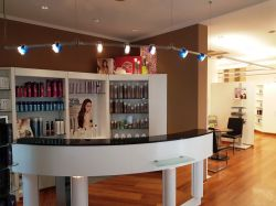 Bild2 Willys Frisuren Studio